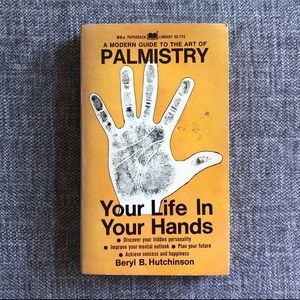 •A Modern Guide To The Art Of Palmistry•